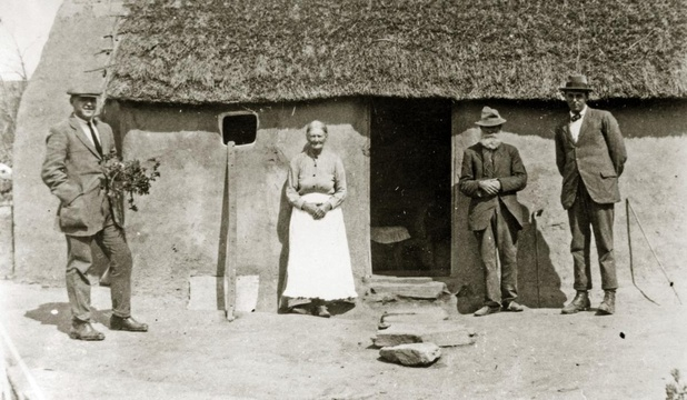 Knysna Forest woodcutters at their home in the late 1800s