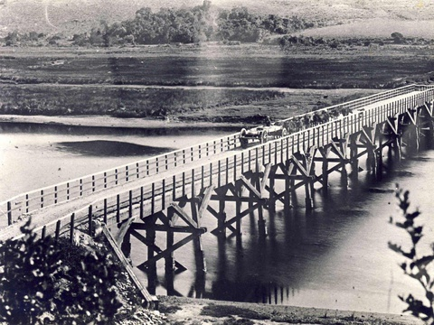 Knysna River. First bridge, wooden bridge - early 1900s