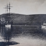 SS Westphalen and a whaler from Plettenberg Bay at the Government Wharf