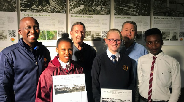 Xola Frans (Knysna Municipality); Latoya Baba (Percy Mdala High Interact Club); Philip Caveney (Knysna Historical Society); Megan Hunter (Knysna High Interact Club); Herb Hunter (Knysna Rotary); Brandmore Sandile Mngcitha (Percy Mdala High Interact Club)