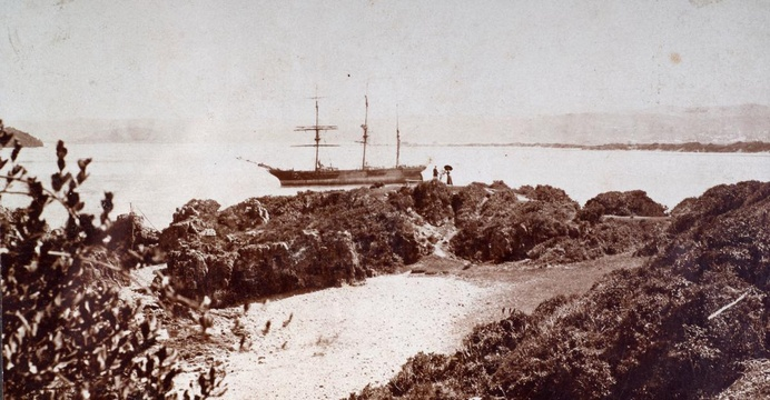 The Paquita beached on Pansy Banks, prior to being deliberately wrecked at The Heads, 1903