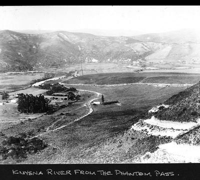 Knysna River with Phantom Pass in the foreground, and The Drift (The Krantz) in the middle ground. Image: Bassett-Le Lean Collection